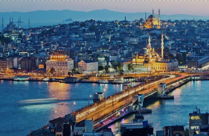 """İstanbul'un Yaşanabilir Olması """"Akıllı Kent"""" Olmaktan Geçiyor"""